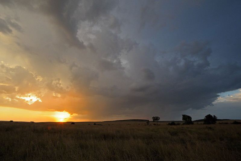 sunset in Mara triangle